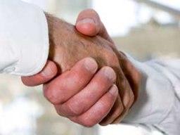 Menebarkan Salam dan Berjaba Tangan
